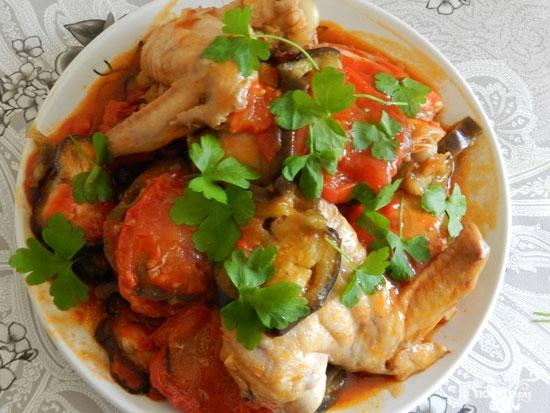 Курица с баклажанами в мультиварке: рецепт с фото