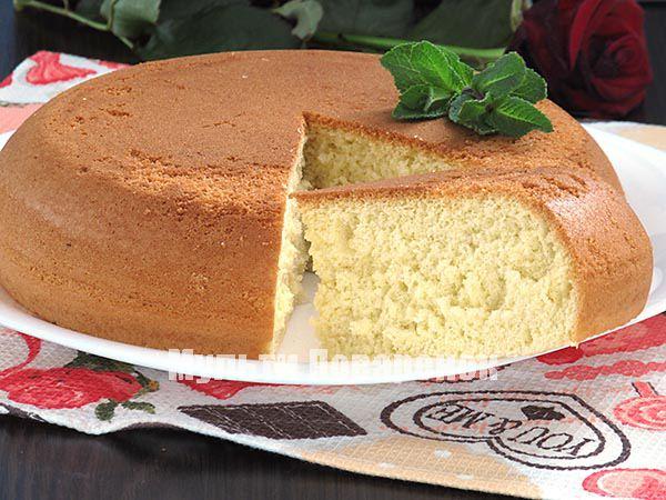 Простой бисквит в мультиварке: рецепт с фото