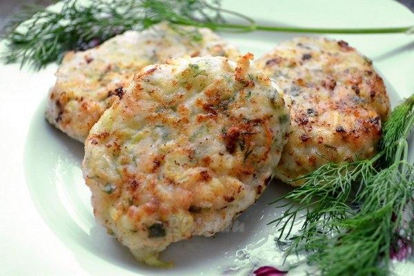 Котлеты на пару с жареным картофелем в мультиварке: рецепт с фото