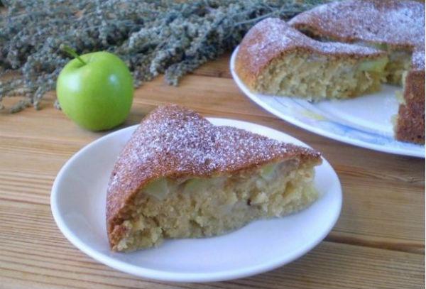 Манник с яблоками на кефире в мультиварке: рецепт с фото