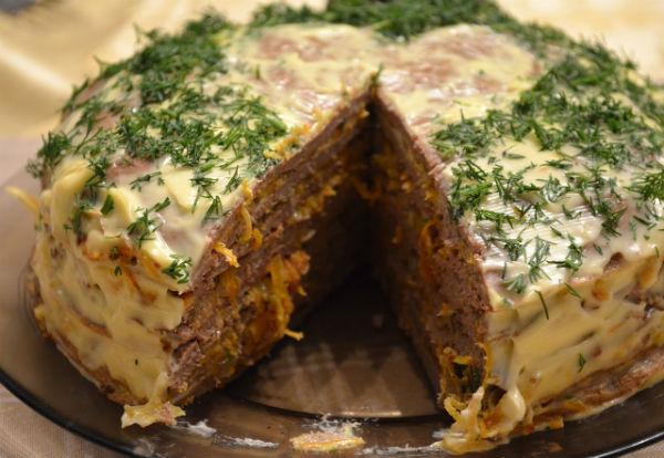 Печёночный торт в мультиварке: рецепт с фото