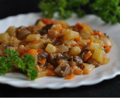Тушеные кабачки с мясом в мультиварке: рецепт с фото