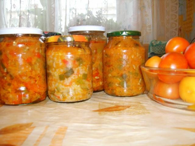 Салат на зиму из кабачков в мультиварке: рецепт с фото