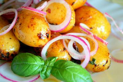 Картофель на гарнир в мультиварке: рецепт с фото