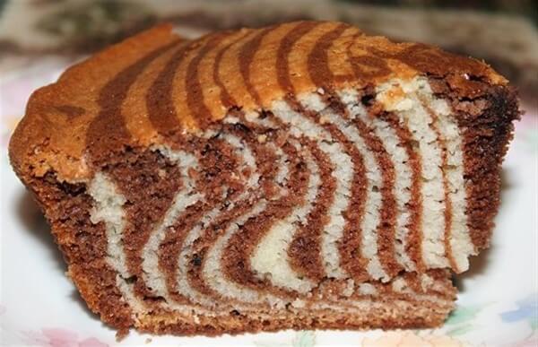 Пирог «Зебра» в мультиварке: рецепт с фото