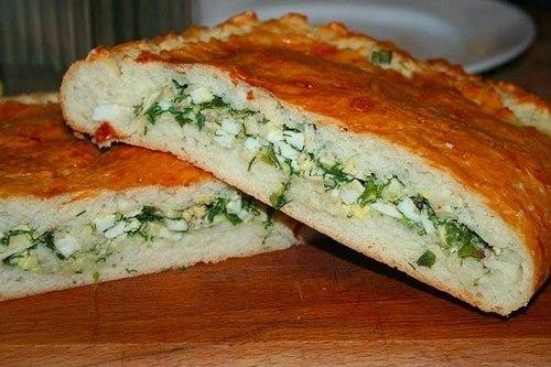 Закусочный заливной пирог с яйцами и зеленью: рецепт с фото