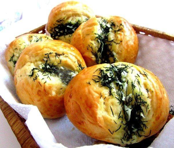 Булочки с чесноком и сыром в мультиварке: рецепт с фото