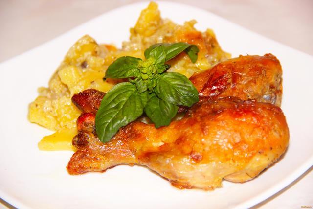 Куриные голени запеченные с картофелем в мультиварке: рецепт с фото