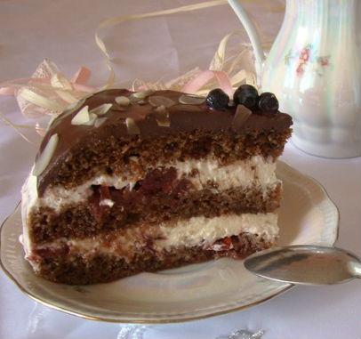 Шоколадно-вишневый торт в мультиварке: рецепт с фото