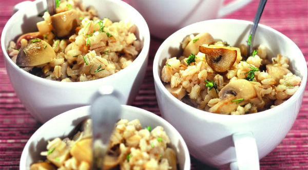 Перловая каша с грибами и адыгейским сыром в мультиварке: рецепт с фото