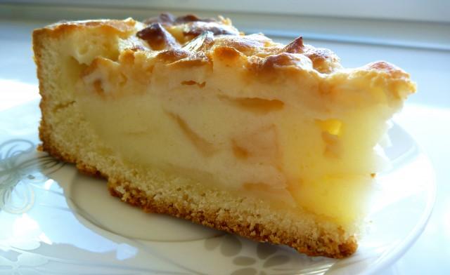 Пирог «Яблочный манник» в мультиварке: рецепт с фото