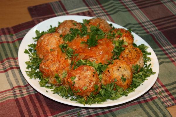 Фрикадельки по-мексикански с помидорами черри в мультиварке: рецепт с фото