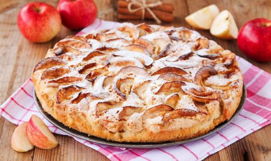 Пирог с изюмом и грецкими орехами в мультиварке: рецепт с фото