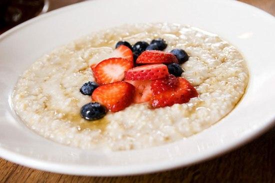 Вкусная овсяная каша на завтрак в мультиварке: рецепт с фото