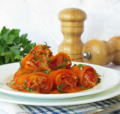 Морковные рулеты с капустой в мультиварке: рецепт с фото