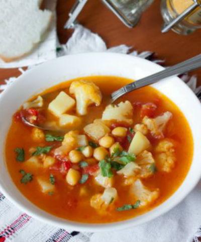 Суп с нутом, каперсами и стручковой фасолью в мультиварке