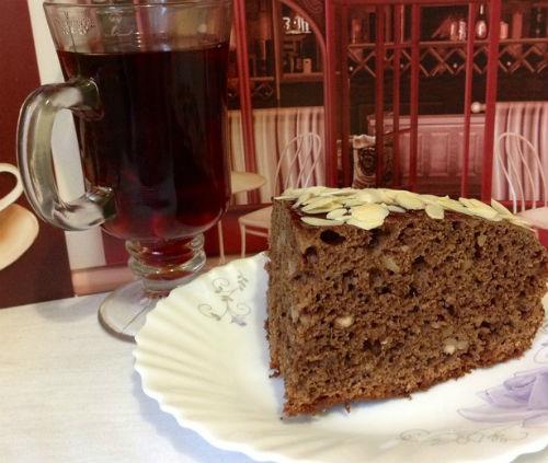 Ароматный пирог с кофе, орешками и какао в мультиварке