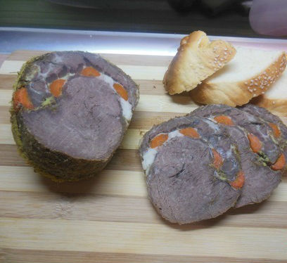 Рулет из говядины с морковью в мультиварке «Диетический» в мультиварке
