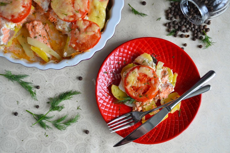 Горбуша с картошкой в мультиварке: рецепт с фото