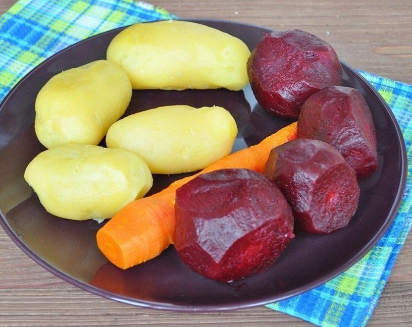 Свекла и картошка в мультиварке: рецепт с фото